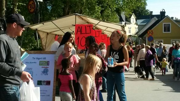 DBF och Gotlands FN-förbund på Slite marknad 2014