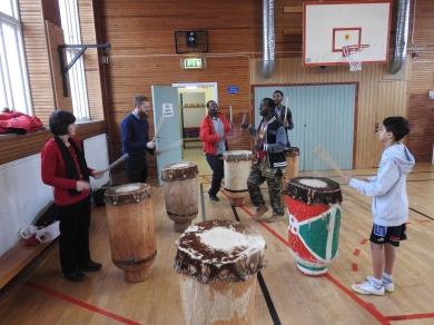 MUCF på besök hos DBF 2:a februari 2016 Burundiska trummor
